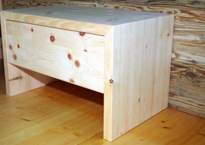 Ein Schlafzimmer aus Zirbenholz 3