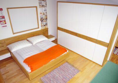 Handgefertigtes Zirbenholz-Doppelbett 29
