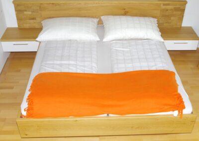 Handgefertigtes Zirbenholz-Doppelbett 27