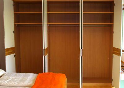 Handgefertigtes Zirbenholz-Doppelbett 32