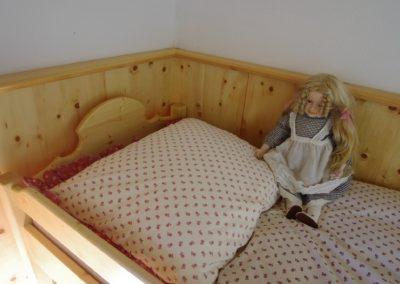 Handgefertigtes Zirbenholz-Doppelbett 21