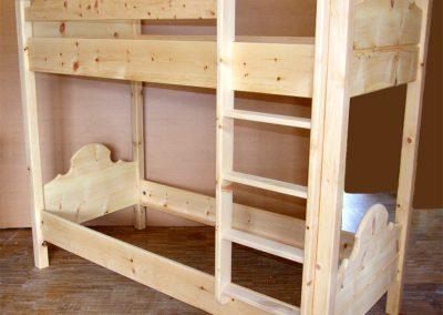 Handgefertigtes Zirbenholz-Doppelbett 13