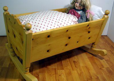 Handgefertigtes Zirbenholz-Doppelbett 11
