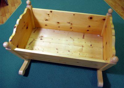 Handgefertige Wiege aus Zirbenholz 8