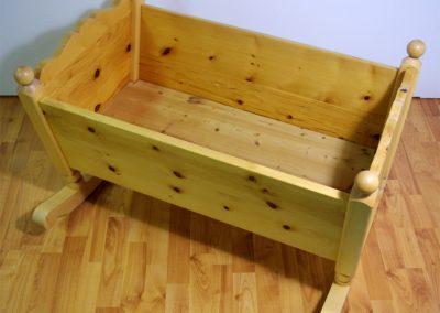 Handgefertige Wiege aus Zirbenholz 12