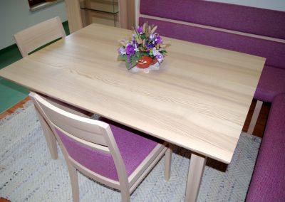 Anrei-Vareto-Tisch-2